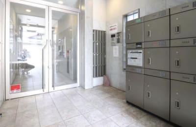 建物入口 - Aventa レンタルサロンの入口の写真