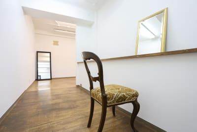 北浜第三写真室 撮影スタジオ&ギャラリーの室内の写真