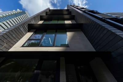 セキュリティで安心利用 - シェアオフィスURL花京院 4F会議室の外観の写真