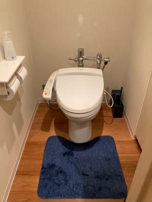 施設内にトイレがあります - 占いsalonテラの椅子 レンタル・スペース④の設備の写真