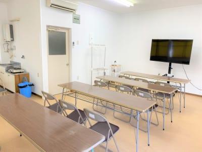 村上ビル102 貸会議室の室内の写真