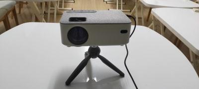 FANFOR F-206B Wi-Fi接続でスマホのキャプチャーもOK!(ミラーリングブロックのかかったアプリはご利用頂けません。) - レンタルルーム[シアター] 防音レンタルルームの室内の写真