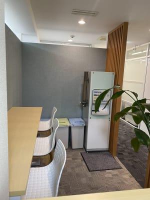 カフェスペース - BAレンタルオフィス本町 半個室《定員2名》の室内の写真