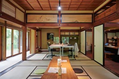 会議スペース - C&W 奥飛騨 萬葉館 ワーケーションスタンドの室内の写真