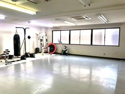 セイコウ光袋町ビル ダンス&トレーニング 庚午店の室内の写真