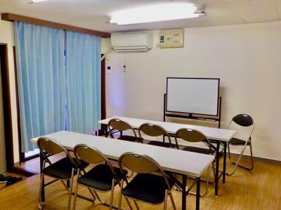部屋全体別レイアウト - ゼロ会議室 駅近会議室!リモートワークに最適の室内の写真