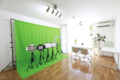 ちょっとした動画やスチールの撮影にご利用ください。 ※グリーンバック背景布ご使用の際は事前リクエストをお願いします。 - BPstudio 撮影スタジオ・貸しスペースの室内の写真