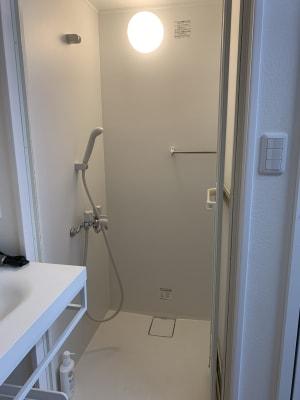 シャワールーム - ソロワークアウト板橋大山店 完全個室のレンタルジムの室内の写真