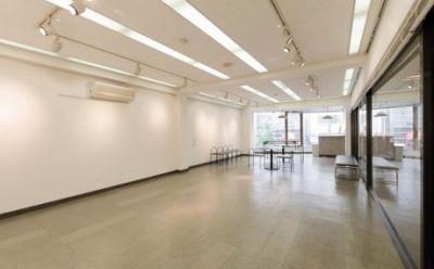 【渋谷】宮益坂十間スタジオ ギャラリーの室内の写真