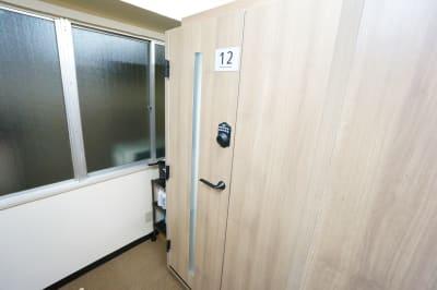 【個室型ワークブース鶴見】 個室型ワークブース鶴見No.12の室内の写真