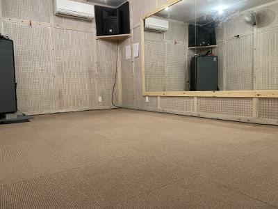 rockin'blues バンド、ダンススタジオの室内の写真