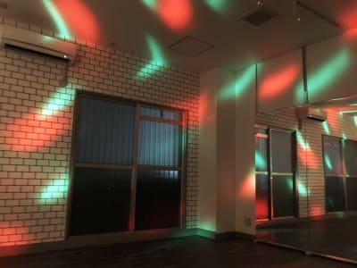 非日常的な中でダンスを楽しめる、レンタルスタジオULTRA。 - レンタルスタジオ ウルトラ Studio ULTRAの室内の写真