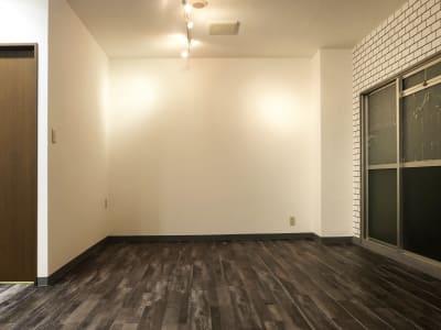 ニューヨークブルックリンエリアのアパートではありません。西長堀駅 徒歩6分のレンタルスタジオULTRA。 - レンタルスタジオ ウルトラ Studio ULTRAの室内の写真