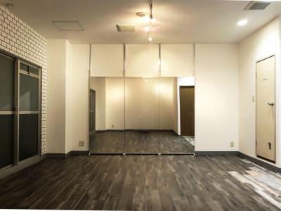 ニューヨークブルックリンエリアのアパートではありません。桜川駅 徒歩9分のレンタルスタジオULTRA。 - レンタルスタジオ ウルトラ Studio ULTRAの室内の写真
