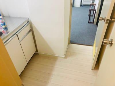 着替えのできる更衣室です - レンタルスタジオSunny 高田馬場②号店の室内の写真