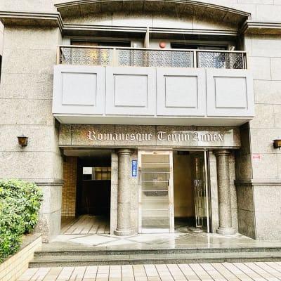 玄関入口(オートロック) - 多目的ビジネススペース カベリ天神南店の外観の写真