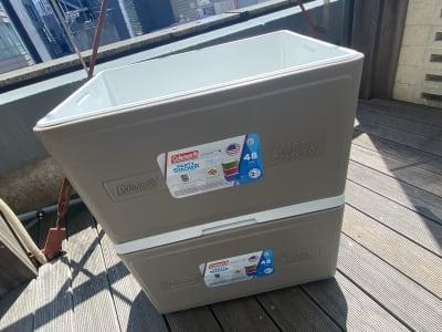 (無料備品) クーラーボックス×2   - 紙パルプ会館 屋上ビーガーデンの設備の写真
