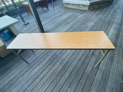 (無料備品) 長テーブル×2  - 紙パルプ会館 屋上ビーガーデンの設備の写真