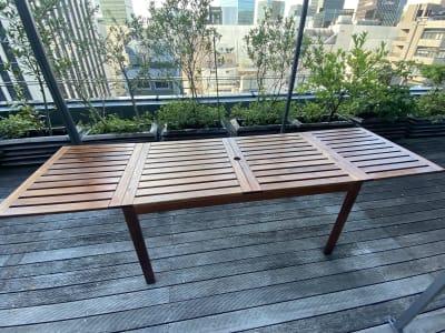 (無料備品) メインテーブル×2  - 紙パルプ会館 屋上ビーガーデンの設備の写真