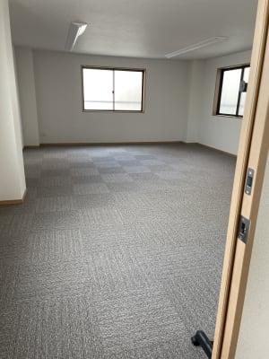 土足禁止の広々空間 - 多目的スペース「プロジェクト」 駅前レンタルスタジオの室内の写真