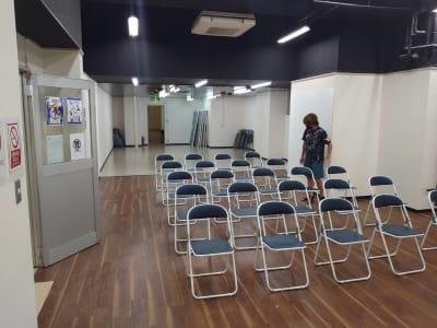 THビル2階B+Eルーム 多目的スペース(会議、ダンス等)の室内の写真