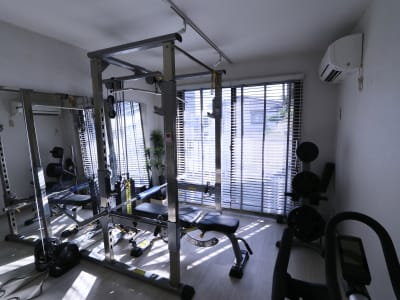 レンタルジムLIFIT 貸切レンタルジムスペースの室内の写真