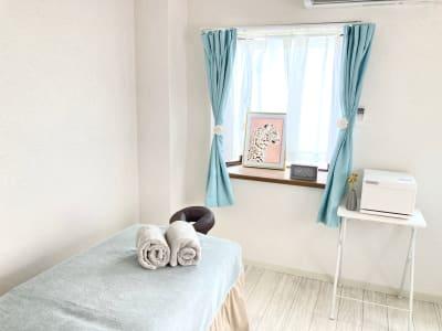 施術ベッド - 天王寺レンタルサロン レンタルサロン の室内の写真