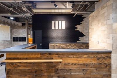 エントランス - いいオフィス南越谷 【天井空きあり】6名会議室の入口の写真