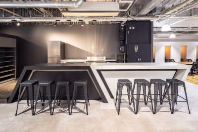 キッチンスペース - いいオフィス南越谷 【完全個室】8名会議室の設備の写真