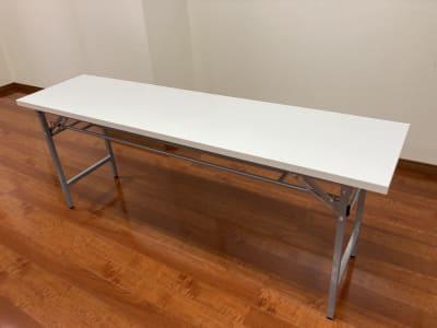 テーブル(長机)(4台) 1800mm×450mm×700mm - 時々海風が吹くスタジオ 多目的スペースの設備の写真
