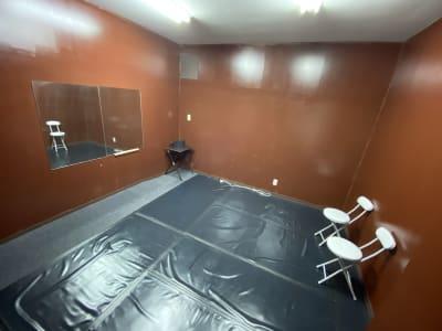 スタジオ入り口より撮影 -  LoRe 3 スタジオ 少人数向けレンタルスペースの室内の写真