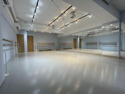 亀戸ダンススタジオ 亀戸ダンススタジオ バレエ ヨガの室内の写真
