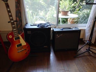 各種楽器(他、オーディオ装置、マイク、録音機材等あり) - レンタル・サロン TAMTAM 多目的スペースの設備の写真