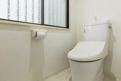 トイレ - SKYレンタルジム難波店 SKYレンタルフットネスジム難波の設備の写真