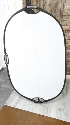 レフ板(半透明、白、黒、金、銀の5色) - アートキャップの写真スタジオ ポートレート撮影レンタルスタジオの設備の写真