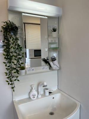 扇園(おうぎえん) 6Fパリのアパルトマン風ルームの室内の写真