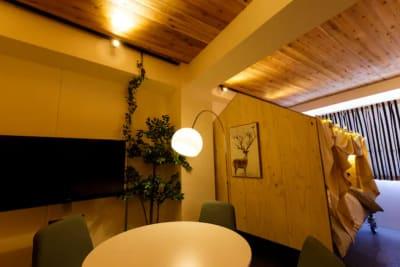 扇園(おうぎえん) 5Fグランピング@東新宿の室内の写真
