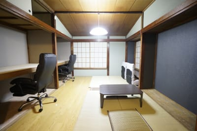 2F - Tatami Works コワーキングスペースの室内の写真