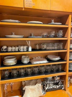 食器・グラスの貸出も行っております。 - 長靴と猫店 朗読会・イベント・料理教室の設備の写真