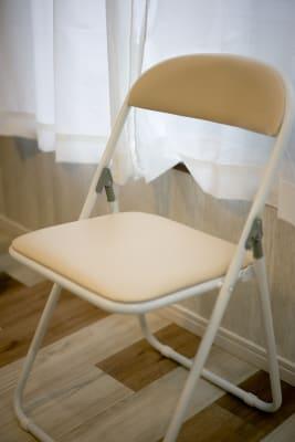 折り畳み椅子もございます。 - クルメル押上 会議室、テレワークスペースの設備の写真