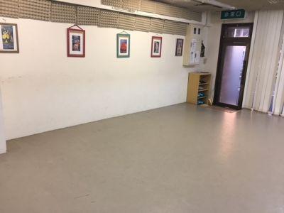 フラメンコスタジオマリ 南浦和の室内の写真