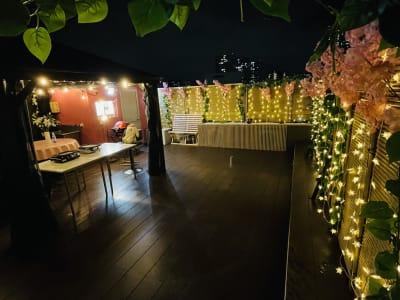 紅花会館レンタルスペース 屋上スペースBBQ可能の設備の写真