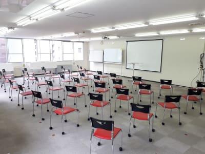 大阪長堀 貸会議室 8階 E会議室の室内の写真