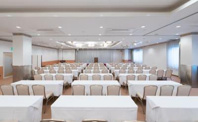 広島ダイヤモンドホテル 貸会議室「バラの間」の室内の写真