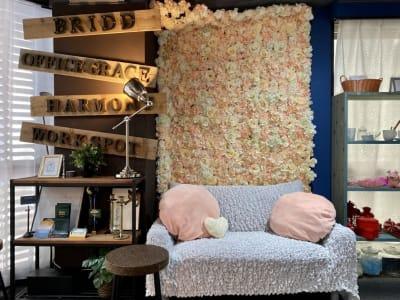女性に人気の花壁が復活しました。 - 大手町スペースブリッド コワーキング撮影スタジオ の室内の写真