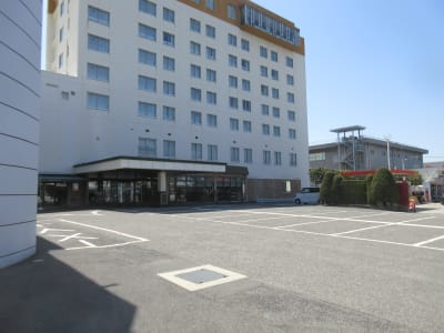 無料駐車場(70台) - 広島ダイヤモンドホテル 貸会議室「802号室」の外観の写真