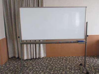 ホワイトボード 1800×900 - 広島ダイヤモンドホテル 貸会議室「安芸の間」の設備の写真