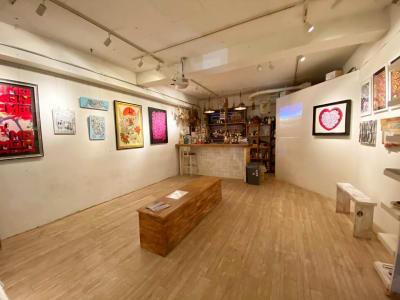 テーブルを下げれば広々使えます - JOINT Harajuku 2F 多目的スペース (1日利用の室内の写真