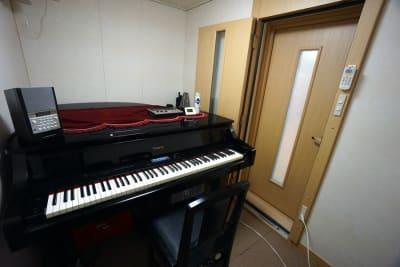 京都会議室 心華寺 奏音堂(ピアノ室1)の室内の写真