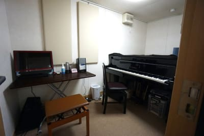 京都会議室 心華寺 奏音堂(ピアノ室2)の室内の写真